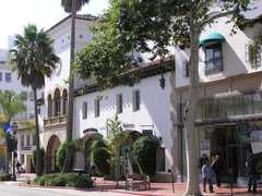 State Street - Attractions - State St, Santa Barbara, California, US