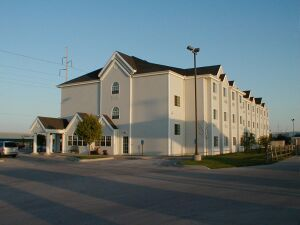 Microtel Inn & Suites - Hotels/Accommodations - 2917 W Main St, Independence, KS, United States