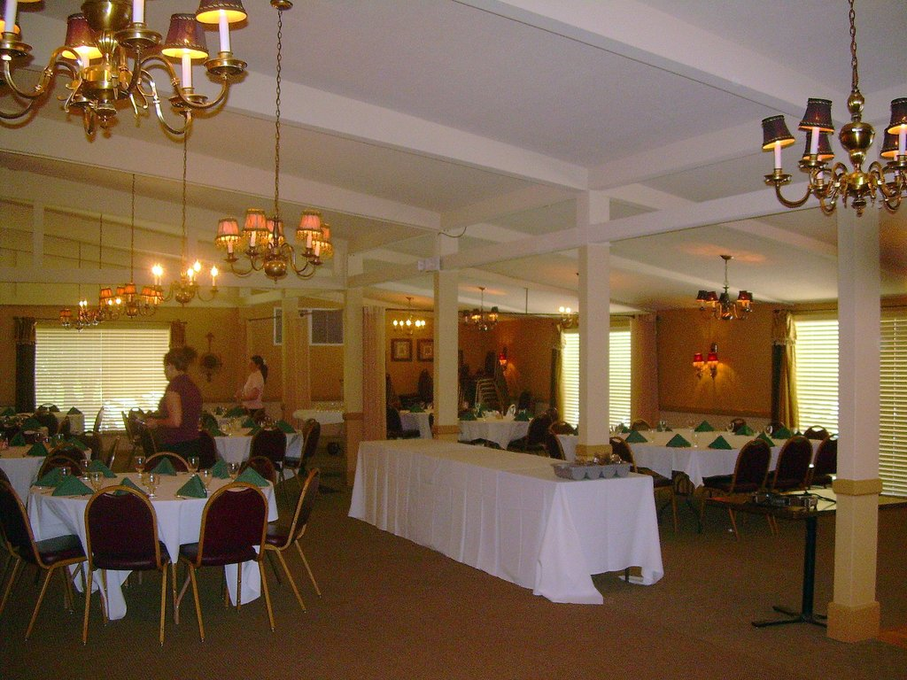 Smoky Hill Country Club - Reception Sites, Rehearsal Lunch/Dinner, Ceremony Sites - 3303 Hall St, Hays, KS, 67601, US