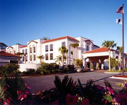 Hampton Inn St. Simons Island - Hotels/Accommodations - 2204 Demere Rd, St Simons Island, GA, 31522