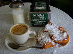Cafe Du Monde - Breakfast - 1039 Decatur St, New Orleans, L.A., United States