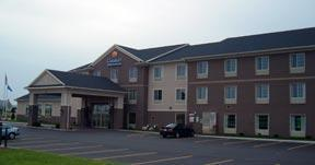 Comfort Inn & Suites - Reception Sites, Hotels/Accommodations - 5025 County Hwy. V, DeForest, WI, 53532, United States