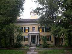 Emily Dickinson Museum - Attraction - 280 Main Street, Amherst, MA, United States