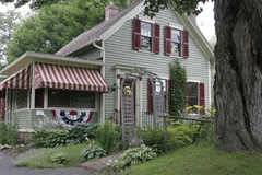 Sugar Maple Trailside Inn - Hotel - 62 Chestnut St, Northampton, MA, 01062
