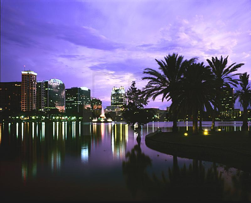 Lake Eola - Attractions/Entertainment, Parks/Recreation - 101 N Rosalind Ave, Orlando, FL, United States