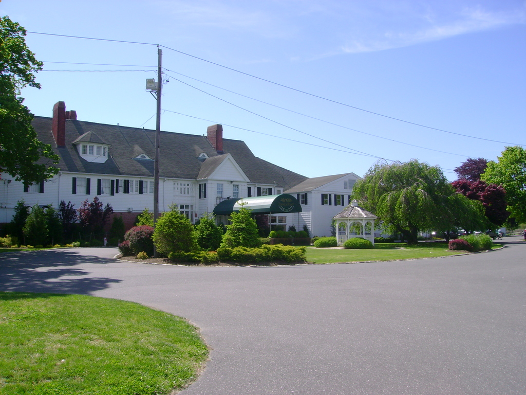 Timber Point Country Club Restaurant & Catering - Ceremony & Reception - 15 River Road, Great River, NY, United States