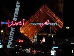 4th Street Live - Bar -
