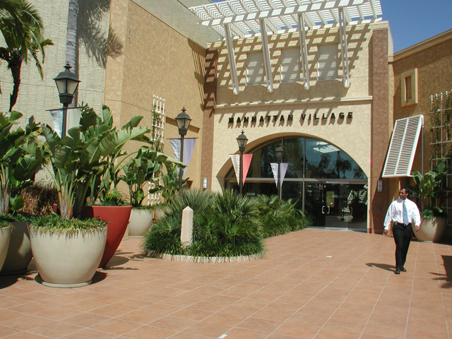 Manhattan Village Mall - Attractions/Entertainment, Shopping - 3200 N Sepulveda Blvd, Manhattan Beach, CA, United States