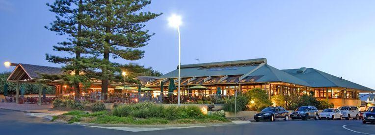 Beach Hotel Byron Bay - Restaurants - Jonson Street, Byron Bay, NSW, Australia