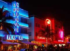 Ocean Drive - Entertainment - Ocean Dr, Miami Beach, Florida, US