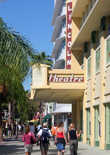 Lincoln Road - Attractions/Entertainment - Lincoln Rd, Miami Beach, Florida, US