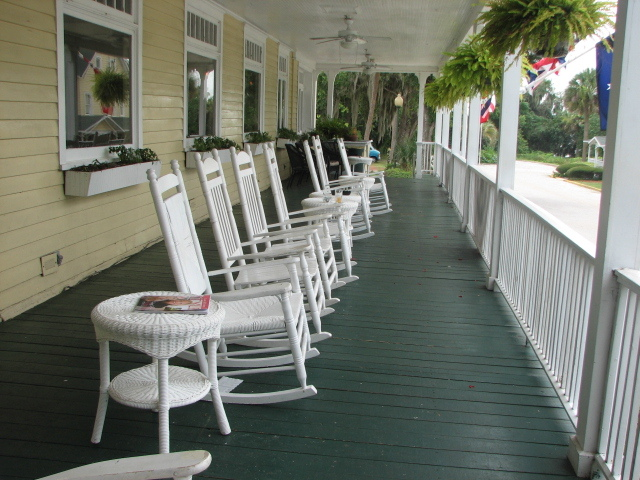 Lakeside Inn - Ceremony Sites, Hotels/Accommodations, Reception Sites - 100 N. Alexander Street, Mount Dora, Fl