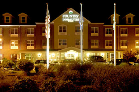 Country Inn &amp; Suites - Hotels/Accommodations - 1857 Gettysburg Village Dr, Gettysburg, PA, 17325, US