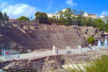 Amphithéâtre Des Trois Gaules - Attractions/Entertainment -