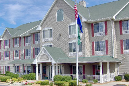 Country Inn & Suites By Carlson-west Bend - Hotels/Accommodations - 2000 Gateway Court, West Bend, WI, United States