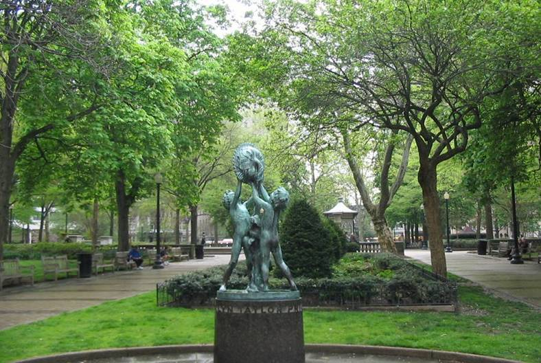 Rittenhouse Square - Attractions/Entertainment, Restaurants, Shopping, Parks/Recreation - Rittenhouse Square, Philadelphia, PA, US