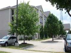 Days Inn & Suites - Hotel - 2215 Blairs Ferry Road Ne, Cedar Rapids, IA, United States