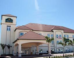 La Quinta Inn & Suites - Hotels/Accommodations - 909 Frontage Rd, Alamo, TX, 78516, US