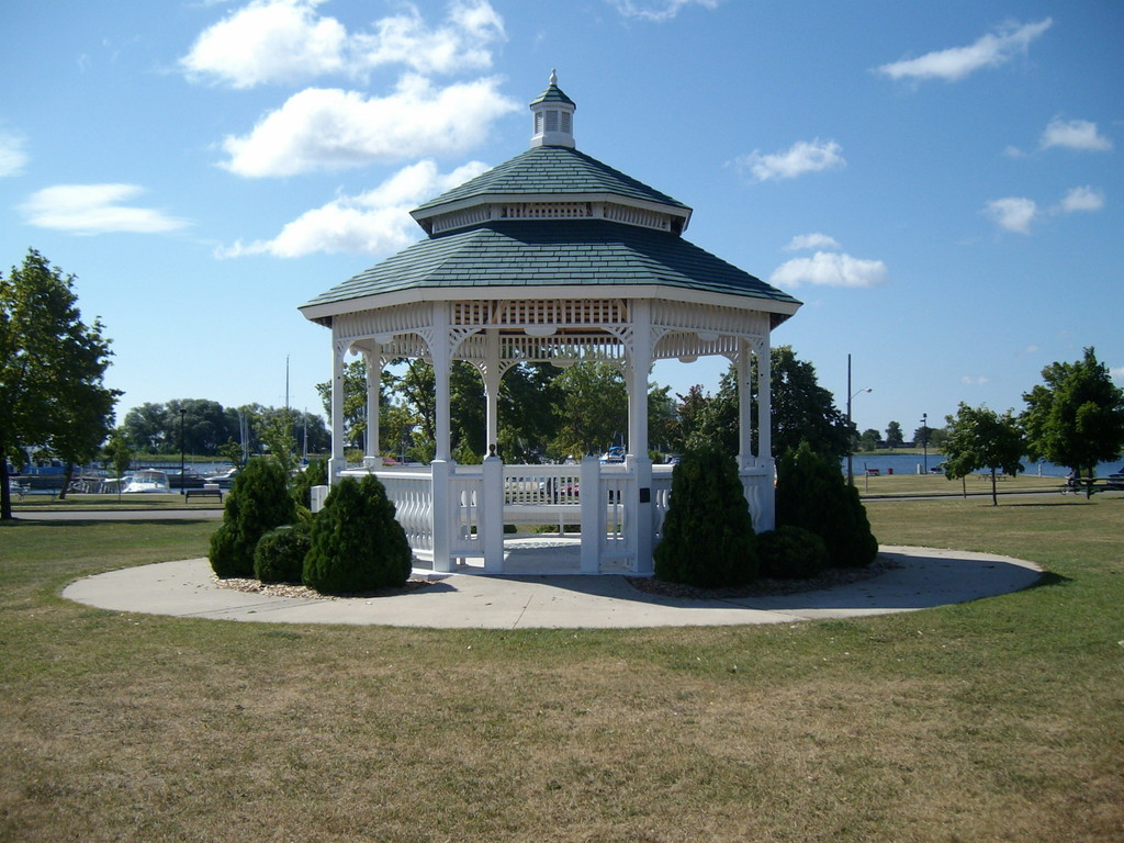 Ludington Park Gazebo - Ceremony Sites -
