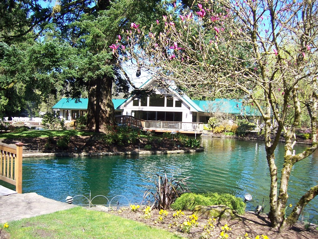 Lakeside Gardens - Reception Sites, Ceremony Sites, Ceremony & Reception - 16211 Southeast Foster Road, Portland, OR, United States