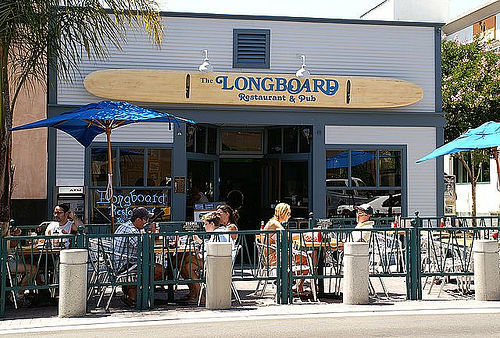 Longboard's Pub - Bars/Nightife -