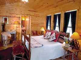 Balcones Springs Retreat - Hotels/Accommodations, Ceremony Sites - 104 Balcones Springs Dr, Marble Falls, TX, 78654