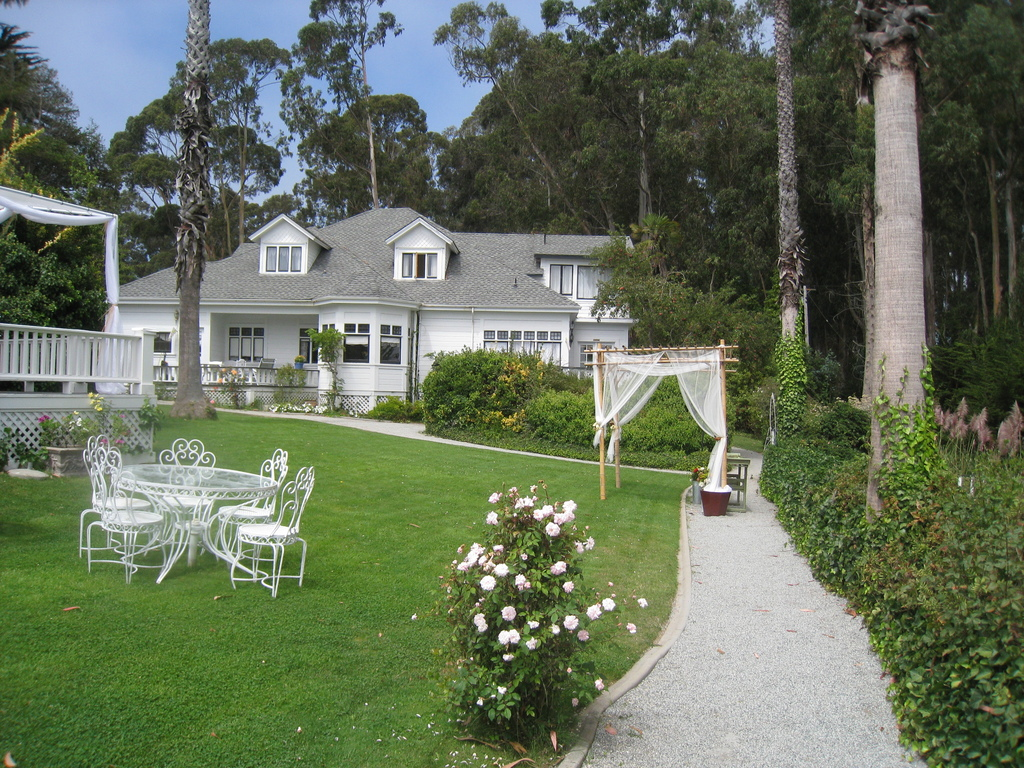 Monarch Cove Inn - Ceremony Sites, Ceremony & Reception, Hotels/Accommodations - 620 El Salto Dr, Capitola, CA, 95010