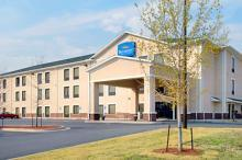 Baymont Inn & Suites - Hotels/Accommodations - 2905 Riverwest Dr, Augusta, GA, 30907, US