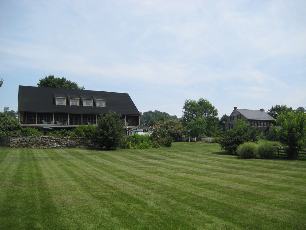 Pheasant Run Farm Bed And Breakfast - Ceremony Sites, Hotels/Accommodations - 200 Marticville Rd, Lancaster, PA, 17603