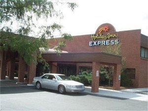 Holiday Inn Express Hotel Altoona, Pa - Hotels/Accommodations - 3306 Pleasant Valley Boulevard, Altoona, PA, United States