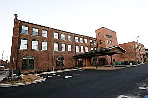 Hawthorn Suites - Hotels/Accommodations - 110 W 2nd Ave, Rome, GA, 30161