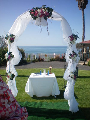 Wedding Decorations  Sale on Pismo Beach  Ca  Usa    Beach Themed Decor For Sale   Wedding Mapper