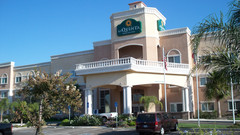 La Quinta Inn & Suites Modesto/Salida - Hotels/Accommodations, Honeymoon - 4909 Sisk Rd, Salida, CA, 95368, USA