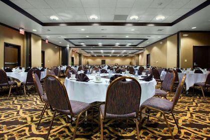 red lion hotel anaheim wedding venues vendors. Black Bedroom Furniture Sets. Home Design Ideas