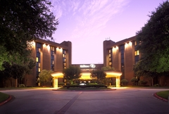Hilton DFW Lakes - Reception Sites, Hotels/Accommodations, Ceremony Sites, Ceremony & Reception - 1800 State Hwy 26 East, Grapevine , Texas, 76051