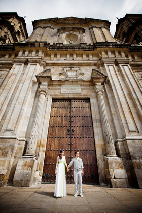 COUPLE IN THE MAYOR CATHEDRAL IN BOGOTA, JUST MARRIED - Ceremonies - JUST MARRIED