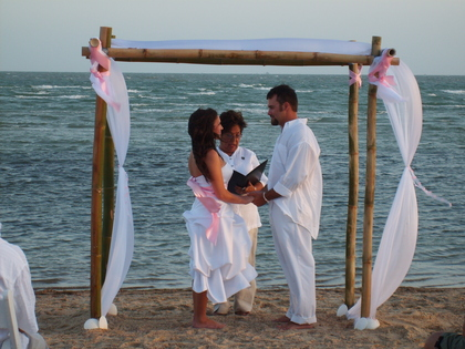 Rockport weddings by the sea wedding venues vendors for Texas beach wedding packages