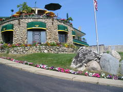 Weathervane Terrace Inn and Suites - Hotels/Accommodations, Welcome Sites - 111 Pine River Lane, Charlevoix, MI, 49720