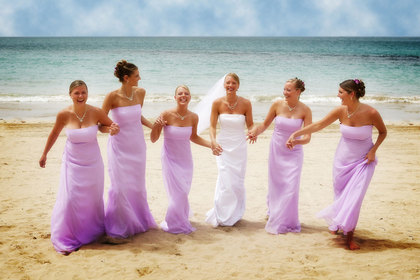Bridal party at the beach - Wedding Party Attire - Noel Del Pilar, Photographer