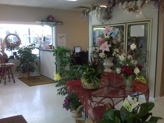 Lometa's Flowers - Florist - 8804 Dayton Pike, Soddy-Daisy, Tn, 37379, USA