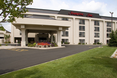 Hampton Inn-Eagan - Hotels/Accommodations, Bridal Shower Sites - 3000 Eagandale Place, Eagan, MN, 55121, United States