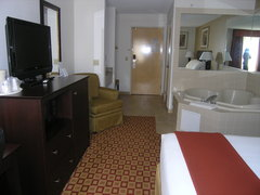 Holiday Inn Express - Hotels/Accommodations - 2055 Wiesbrook Dr, Oswego, IL, 60543, USA