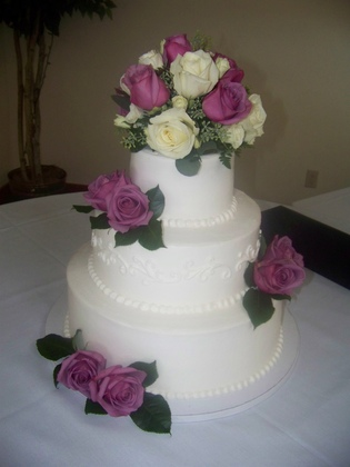 Cake Artist Bakery Champaign Il : Cakes by Lori Wedding Venues & Vendors Wedding Mapper