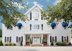 Clarion Carriage House Inn - Hotels/Accommodations, Reception Sites - 738 Boston Post Road, Sudbury, MA, 01776, USA