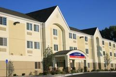 Candlewood Suites - Hotels/Accommodations, Bridal Shower Sites - 110 Willie Lee Parkway, Warner Robins, GA, 31088, USA