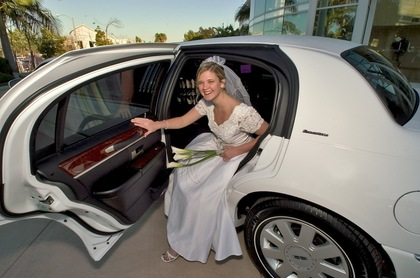 Limos.com - Limos/Shuttles - 
