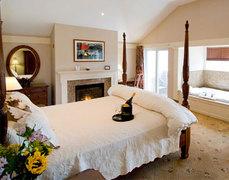 Meadowmere Resort - Hotels/Accommodations - 74 Main Street, Ogunquit, Maine, 03907, US