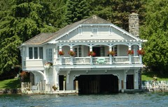 Boathouse B&B - Honeymoon Vendor - 44 Sagamore Rd, Lake George, New York, 12814, USA