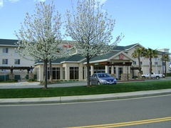 Hilton Garden Inn Redding - Hotels/Accommodations, Reception Sites, Rehearsal Lunch/Dinner - 5050 Bechelli Lane, Redding , CA, 96002, USA