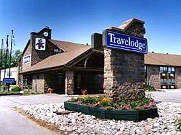 Travelodge Lakeshore North Bay - Hotels/Accommodations - 718 Lakeshore nDrive, North Bay, Ontario, P1A2G4, Canada